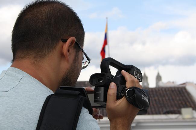 En plein tournage sur la terrasse du Centre Culturel de Quito